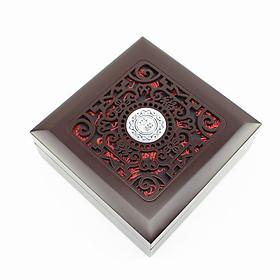 Hộp Gỗ Quà Tặng Đựng Trang Sức Lót Lụa - Kích Thước: 12,5x12,5x4,5cm (Hộp không bao gồm vòng tay)