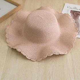 Mũ cói viền lượn sóng kèm hoa tiết