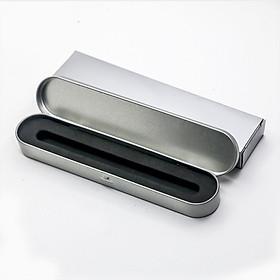 Hộp bút thiếc có hộp giấy, mốp chống va đập dùng để đựng 1 bút máy hoặc bút bi, bút lông