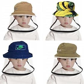 Nón mũ trẻ em có màn kính che bảo vệ chống giọt bắn - giao màu ngẫu nhiên