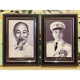 Cặp ảnh đen trắng  Bác Hồ Bác Giáp - B06 ( 25x35cm)
