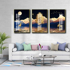 Bộ 3 tranh mica cao cấp Hươu vàng dưới chân núi tuyết - MK016