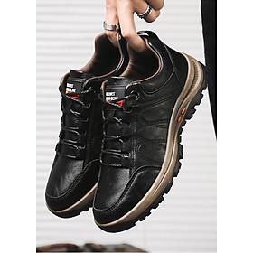 Giày Sneaker Thể Thao Nam cao cấp với lớp lót mềm thoải mái khi di chuyển hay vân động