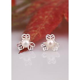 Bông tai bạc đính ngọc trai ở giữa thiết kế từ thương hiệu OPAL - E17