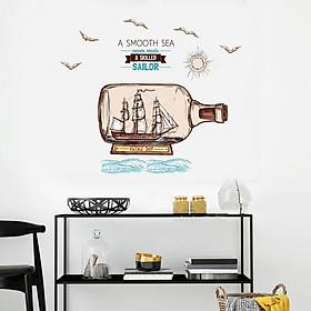 Decal Vintage Ship và thông điệp (A Smooth Sea never made a skilled Sailor) AmyShop DKN100 - 90 x 90 cm