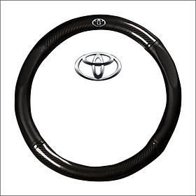 Bọc vô lăng tay lái ô tô da vân Carbon 4S logo TOYOTA cao cấp