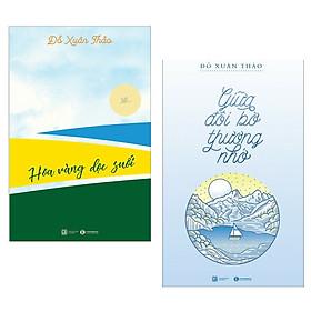 Combo truyện Tản Văn Hay : Hoa Vàng Dọc Suối + Giữa Đôi Bờ Thương Nhớ ( Tặng Kèm Postcard Greenlife )