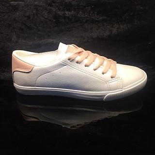 Giày trắng  nữ da mềm pha cam