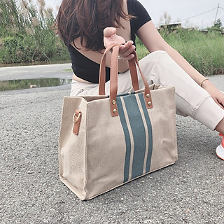 Túi xách vải bố, thiết kế đơn giản nhưng cực kỳ hầm hố, dày dặn, cứng cáp, họa tiết sọc chuyên nghiệp, đựng giấy a4