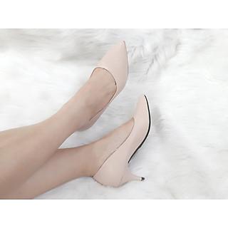 Giày bít gót nhọn
