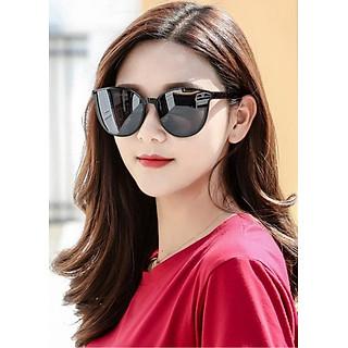 Mắt kính mát nữ thời trang form mắt mèo màu đen, chống tia UV. Mã DKY337D.