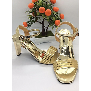Giày cao gót nữ/ Sandal Cao Gót Nữ Hở Mũi Da Bóng Phối Đường Kim Tuyến Xen Kẽ Màu Vàng Đẹp Sang Trọng Phong Cách Hàn Quốc Đế Chữ Nhật Trụ Cao 9 Cm, 9 Phân Quai Cài Ngang -CGPN0095-YN124
