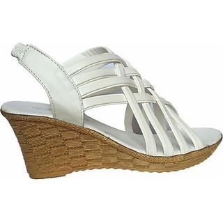 Giày Sandal Nữ Đế Xuồng Rọ C63