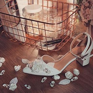 Giày cưới nữ Nghé Art quai trắng đính hoa gót vuông 216