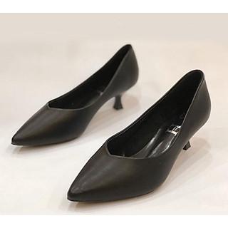 giày  nữ mũi nhọn 3 phân da lì màu đen 299326