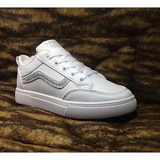 Giày nữ trắng