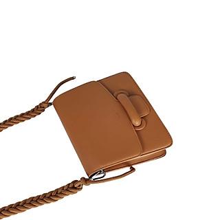 Túi xách nữ túi xách cao cấp đeo chéo thời trang BS6010 thương hiệu GIRLIE_Màu Nâu. Kiểu dáng sang trọng, chất liệu túi xách bằng da bò cao cấp.