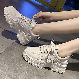 Giày thể thao nữ màu trắng kem, độn đế 5p TT140