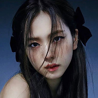 Nơ cài tóc nữ Jisoo BP loại 2 bên đen đỏ trắng