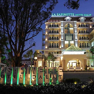 [Siêu Khuyến Mãi] La Sapinette Hotel 4* Đà Lạt - Gồm Buffet Sáng, Khách Sạn Hàng Đầu Việt Nam, Gần Ngay Bến Xe Thành Bưởi Đà Lạt
