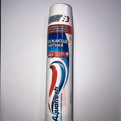 Kem đánh răng Aquafresh dạng ống -Nga (100ml)