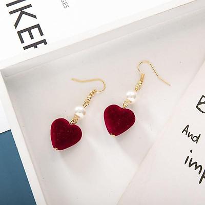 Bông tai hình trái tim phiên bản love pompoms Hàn Quốc