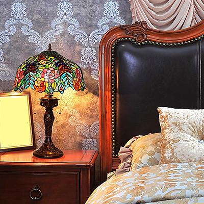 Đèn bàn trang trí Tiffany 40 hoa hồng đặc biệt