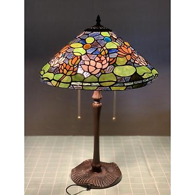Đèn bàn Tiffany chao 40 họa tiết hoa sen