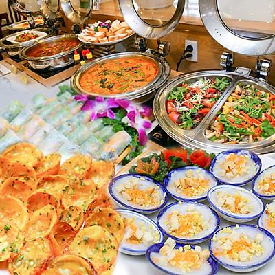 Buffet Chay Buổi Tối Hơn 40 Món Đặc Sắc Tại Bông Sen Hotel Nhà Hàng Cỏ Nội