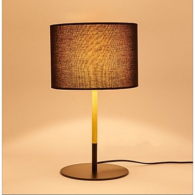 Đèn bàn decor màu đen thân kim loại sơn tĩnh điện kết hợp với decor gỗ, chao vải trang trí phòng làm việc, phòng ngủ