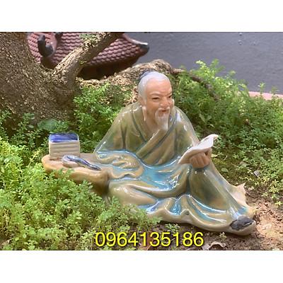 Tượng tiểu cảnh khổng tử đọc sách d18cm gốm sứ Bát Tràng