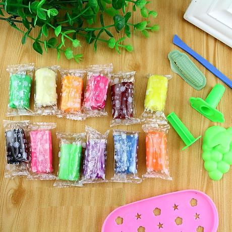 Hộp đồ chơi đất sét 12 màu có khuôn cho bé 2