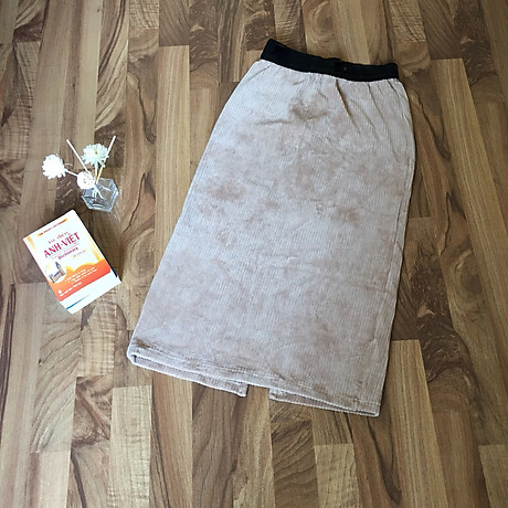 Chân váy bút chì chất gấm nhung tăm mềm mịn cạp lưng thấp co giãn xẻ tà sau 3