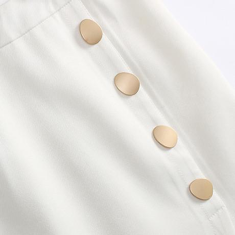 Chân váy ôm công sở Louro L900, mẫu chân váy công sở với hàng cúc dọc xẻ đùi, dáng ôm body khoe trọn đường nét, kết hợp với áo sơ mi, áo phông đều đẹp, vải thoáng mát, lên dáng tốt 7