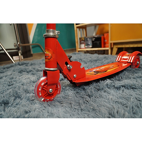 Xe trượt scooter ba bánh phát sáng nhiều màu, gấp gọn ,dễ dàng mang theo cho bé vận động 6