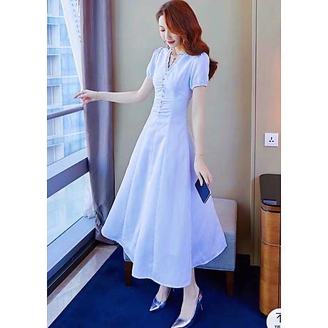 Đầm biển nhúng cổ nút trắng 1