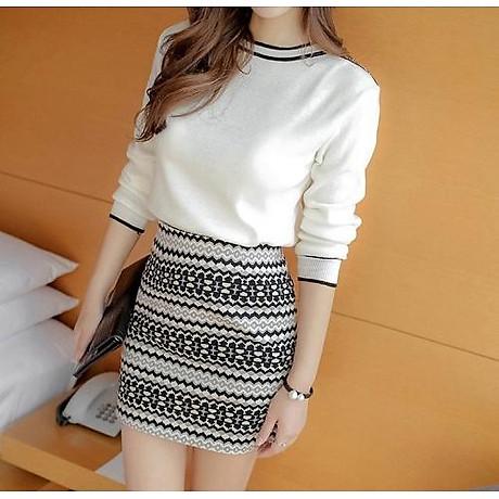 Set áo len trắng chân váy 1