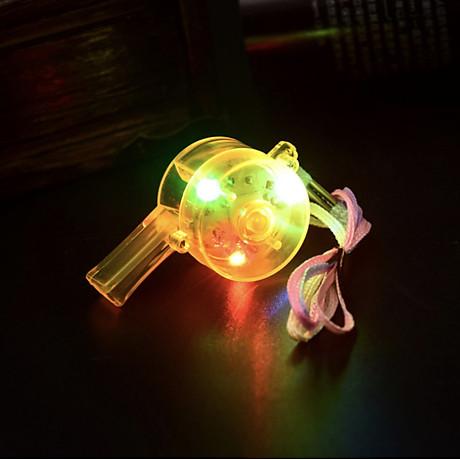 [COMBO 3 Chiếc] Còi nhựa đèn LED đẹp độc đáo - Có 3 chế đồ nhấp nháy - Màu ngẫu nhiên 3