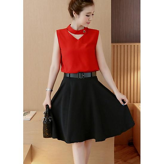 Hình đại diện sản phẩm Set váy dạo phố kiểu set áo cổ tim phối nút chân váy xòe rộng S3039