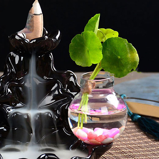 Thác khói trầm hương để bàn tặng 3 nụ trầm thác sư tiểu tọa hồ sen