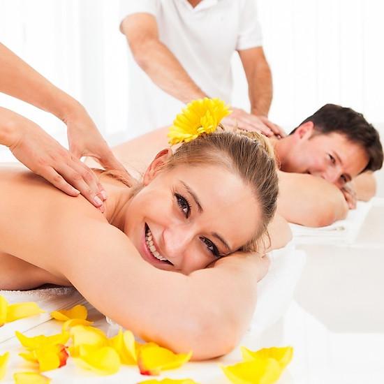Rita Homespa - Couple VIP Chăm Sóc Da Chạy vitanmin C Cơ Bản Kết Hợp Massage Boby Đá Nóng/ Tinh Dầu 120 Phút = 495.000đ