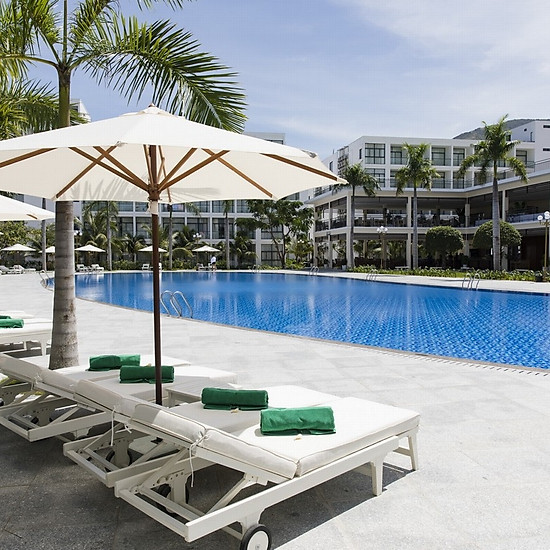 Nha Trang Diamond Bay Condotel Resort 5* - Gói 3N2Đ, Ăn 3 Bữa, Căn Hộ 1 Phòng Ngủ Dành Cho 02 Người
