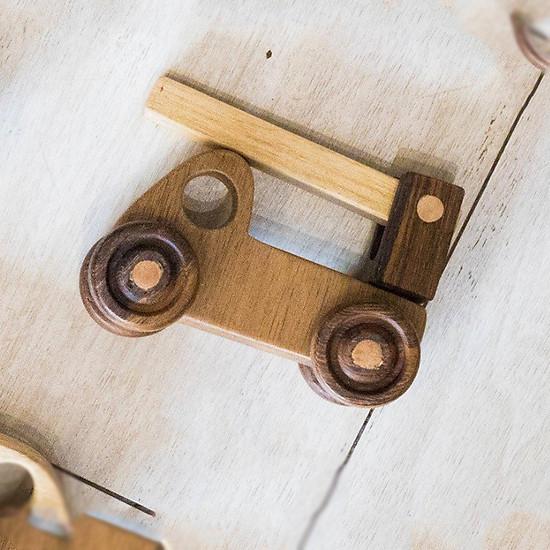 Mô hình xe cần cẩu gỗ cho bé