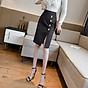 Chân váy ôm công sở Louro L900, mẫu chân váy công sở với hàng cúc dọc xẻ đùi, dáng ôm body khoe trọn đường nét, kết hợp với áo sơ mi, áo phông đều đẹp, vải thoáng mát, lên dáng tốt 5