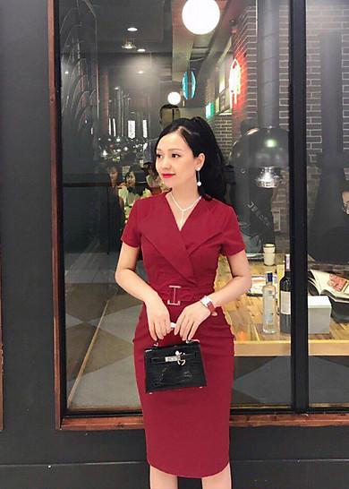 Đầm Ôm Cổ Vest Eo Phụ Kiện Hàng Thiết Kế Màu Đỏ Đô - SVTC2350D