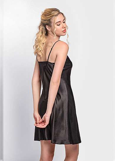 Đầm ngủ phi lụa Wannabe DN612 tối giản, êm dịu, thỏai mái, trẻ trung