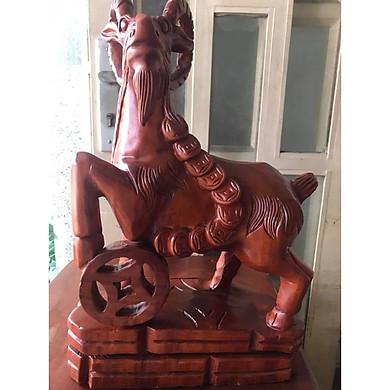 TƯỢNG CON DÊ GỖ GÕ MÀU ĐỎ ĐỨNG ĐỒNG TIỀN TO TÀI LỘC CAO 50CM ĐK 30CM SÂU 15CM LIỀN KHỐI BIỂU TƯỢNG SỰ SUNG TÚC