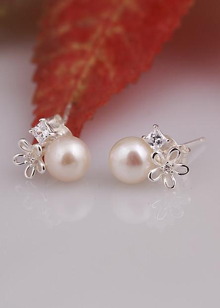 Bông tai bạc bông hoa năm cánh đính ngọc trai kèm đá thiết kế từ thương hiệu OPAL - E16