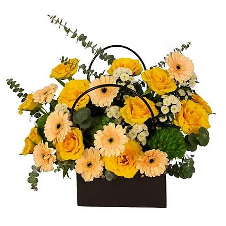 Giỏ hoa tươi - Giỏ Hoa Vàng Thắm 3951