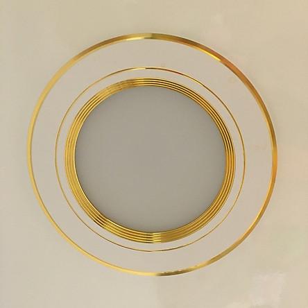 Đèn led âm trần 7w 3 màu viền vàng lỗ khoét trần D90mm